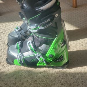 Apex Ski Snowboard Snowmobile Boots for Sale in Batavia, IL