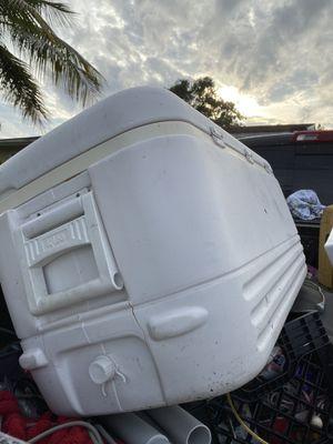 XL cooler for Sale in Davie, FL