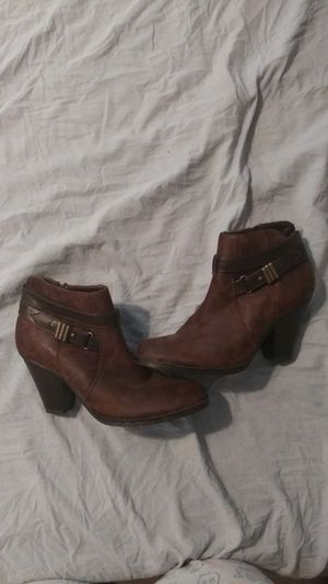 Size 7.5 heeled brown boots for Sale in St. Louis, MO