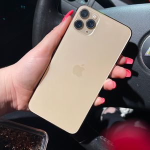 iPhone 11 Pro Max 256GB for Sale in Fontana, CA