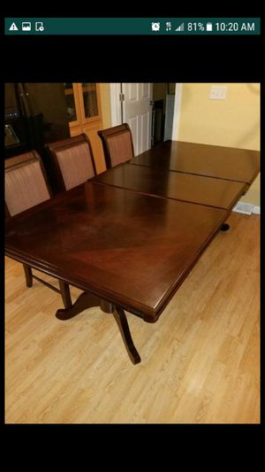 Dinning table for Sale in Martinsburg, WV