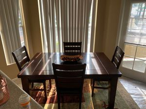 Dining table with four chairs for Sale in Henderson, NV