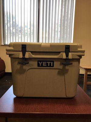 Yeti Roadie Desert Tan 20 for Sale in Alafaya, FL