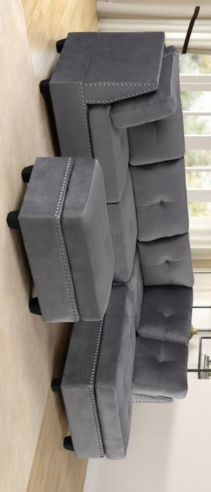 Sienna gray velvet sectional sofa with ottoman for Sale in Houston, TX
