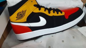 Air jordan 1 mid se size 10 for Sale in Peabody, MA