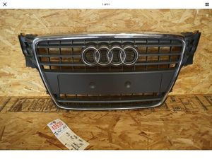 2009 2010 2011 AUDI A4 A-4 FRONT CENTER GRILLE OEM for Sale in Lynwood, CA