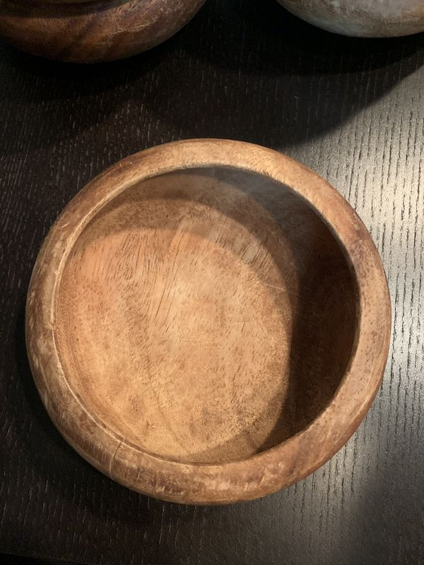 1 wooden bowl