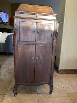 Vintage victrola phonograph player for Sale in Las Vegas, NV