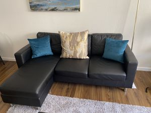 Black Leather Sectional for Sale in Oakland, CA