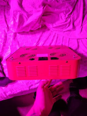 4 chip led grow light. for Sale in Riverside, CA