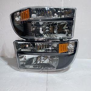 Dodge Durango / Dakota Headlights for 1997 to 2004 for Sale in Los Angeles, CA