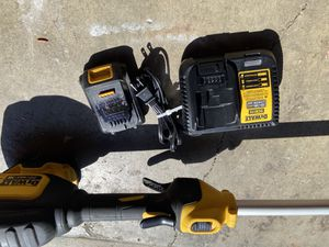 DEWALT max 20 V rechargeable weedeater for Sale in Artesia, CA