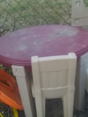 Table n chair for Sale in Boothwyn, PA