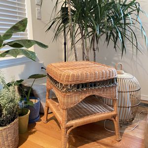 Vintage Wicker Side Table for Sale in SeaTac, WA