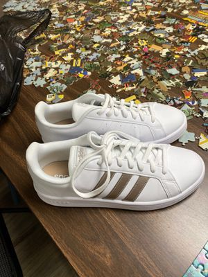 Adidas shoes for Sale in Cosmopolis, WA