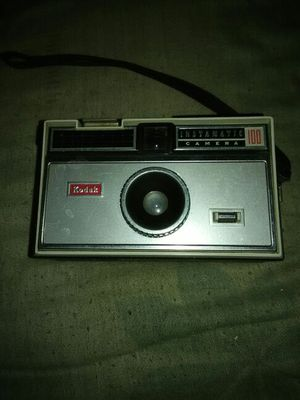 Vintage Kodak Instamatic 100 Camera for Sale in Cleveland, OH