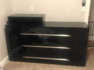 Dresser for Sale in Fort Myers, FL