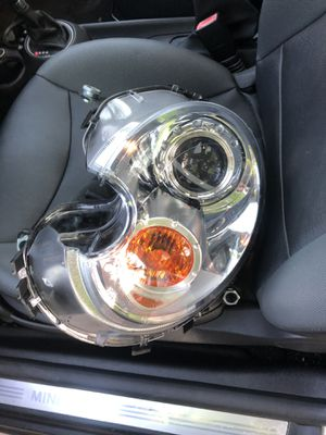 Left front headlight mini cooper for Sale in Washington, DC