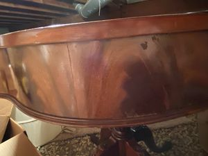 Round antique table for Sale in Naperville, IL