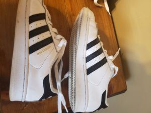 Adidas Super Star. Womens size 5.5. for Sale in Galloway, OH