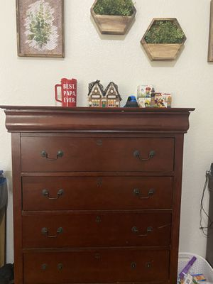 Dresser,night stand,and if you buying all I got White Recliner and white refrigerator for FREE,FREE,MOVING SOON for Sale in Leesburg, FL