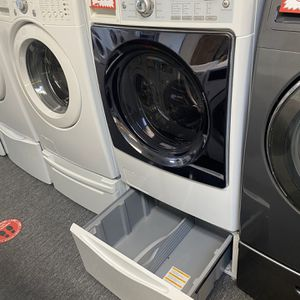 Kenmore Front Load Washing Machine With Pedestal 4 Months Warranty for Sale in Laurel, MD