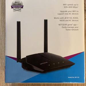 Almost New Netgear dual band WiFi router AC1200 for Sale in Redmond, WA
