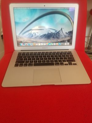 Macbook Air i5 processor 1.8GHz 13.3 inch A1455 MD21LL/A Apple 4GB RAM Memory 128 GB Flash Drive SSD Blueutooth & charger for Sale in Minneapolis, MN