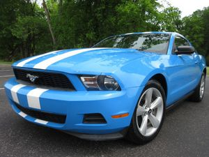 2011 FORD MUSTANG MANUAL 6 SPEED!! for Sale in Smyrna, TN