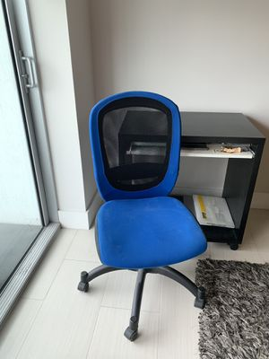 Office desk and chair. Both for $75. for Sale in Miami, FL