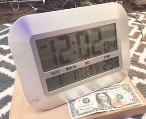 clock with date - temp - dual alarm - snooze for Sale in Riverside, CA