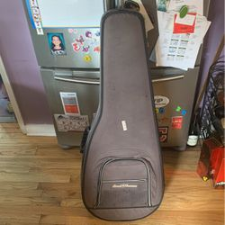 Soft Shell Guitar Case 30.00 Obo for Sale in Cleveland,  OH