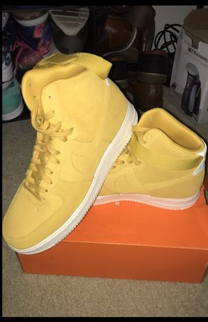 Nike Air Force 1 Size: 11.5 - Maize Yellow/White Sole for Sale in Los Angeles, CA