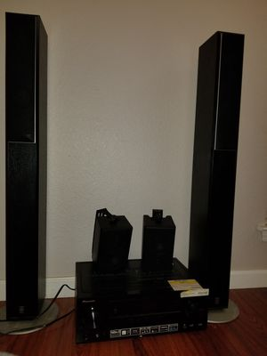 Pioneer receiver and speakers for Sale in Fresno, CA