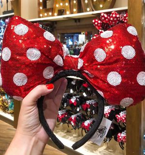 Big minnie bow ears for Sale in Anaheim, CA