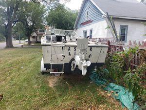 20foot SeaRay fishing boat for Sale in Detroit, MI