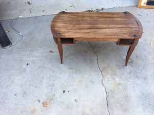 Antique caffe table brown in good condition. for Sale in Anaheim, CA