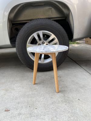 Side table for Sale in Riverbank, CA