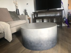 West elm Ombré coffee table for Sale in Tampa, FL