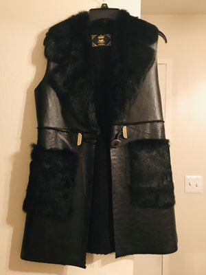 Beatiful Black Leather vest with fur size S/M for Sale in Naperville, IL