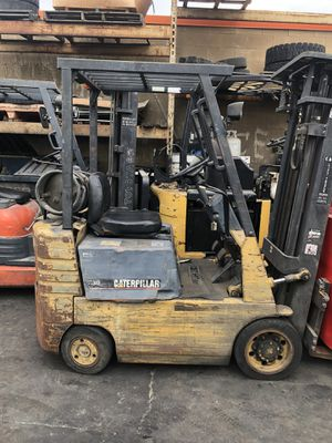 Caterpillar forklift 3000 lbs triple stage for Sale in Garden Grove, CA