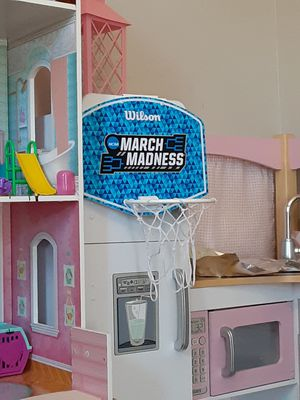 Basketball hoop w/ ball .. hangs on door for Sale in Matawan, NJ