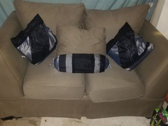 2 Seat Couch for Sale in Dallas,  TX