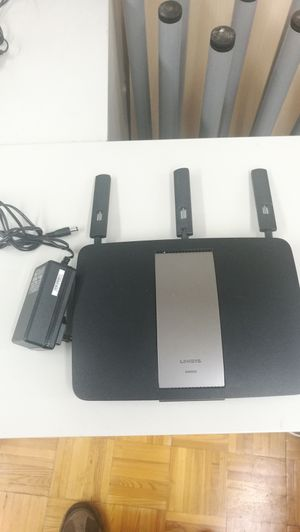 Linksys ea6900 smart Wi-Fi wireless router for Sale in New York, NY