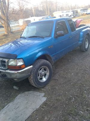 Ford ranger sport 4 by 4 for Sale in Wooster, OH