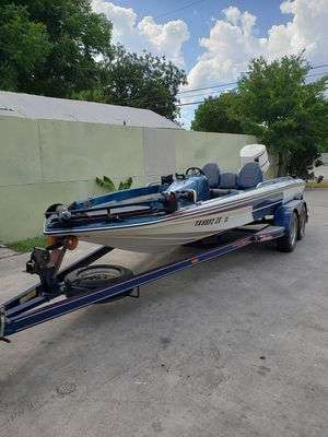 '86 Skeeter bass boat 18.5' for Sale in San Antonio, TX