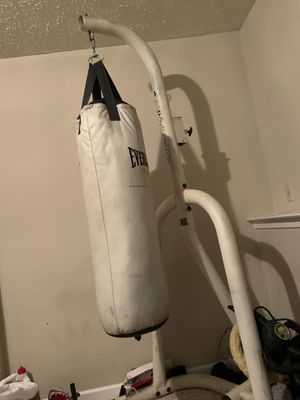 Punching bag and stand for Sale in Clinton, MD
