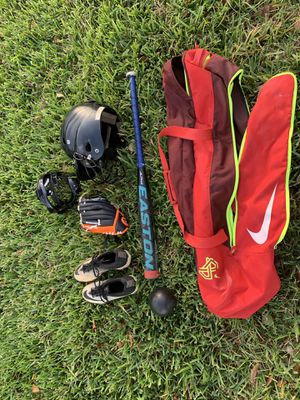 Nike softball set - many items lightly used for Sale in Miami, FL