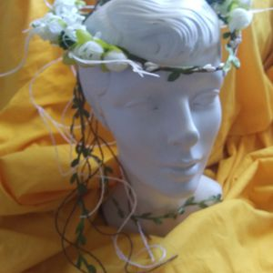 NEW WHITW FLORAL HALO HEADWEAR for Sale in Simpsonville, SC