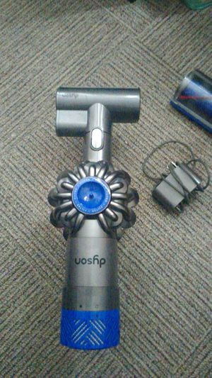 DYSON V6 MINT SHAPE for Sale in Hayward, CA